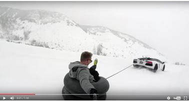 Snow Tubing με μια Lamborghini Aventador!