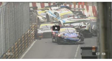 Μεγάλη καραμπόλα στο GT3 World Cup!