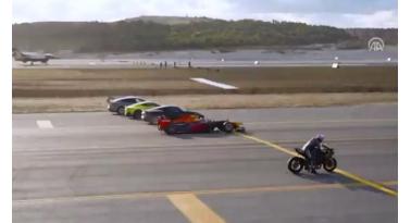 Μονοθέσιο F1 εναντίον μοτοσυκλέτας και F-16!!!